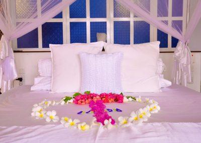 www.srilankareisen.ch-hotels-ayurveda-shunyata-villa-room1.jpg